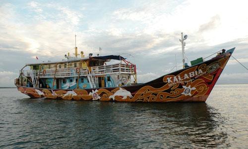 Kalabia-boat-Edwin-Shri-Bimo---TNC